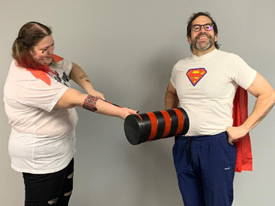 Harley Quinn Can't take out Superman