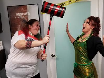 Harley Quinn Destroying Poison Ivy